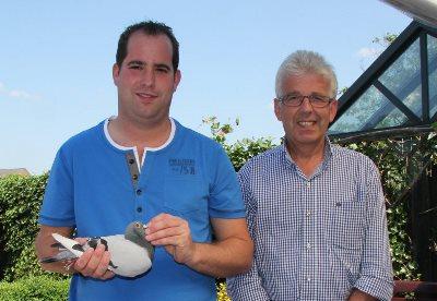 Jo en Florian Hendriks, Nijswiller (NL) overklassen de concurrentie op de sectorale dagfondvluchten